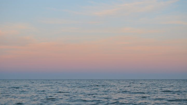 Reaxing your mind with the sounds of the sea